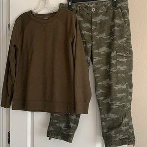 Eddie Bauer camo capris & army green sweatshirt